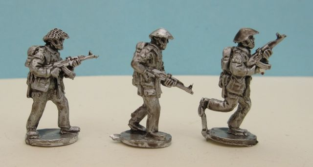 DDR05 East German Riflemen with MPi Advanching