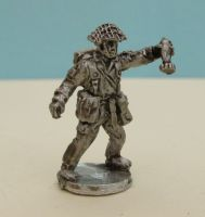 DDR18 East German Mortar firing figure NO GUN
