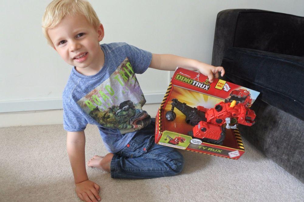 toys dinotrux 4