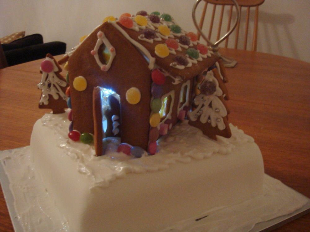 gingerbread house cake b