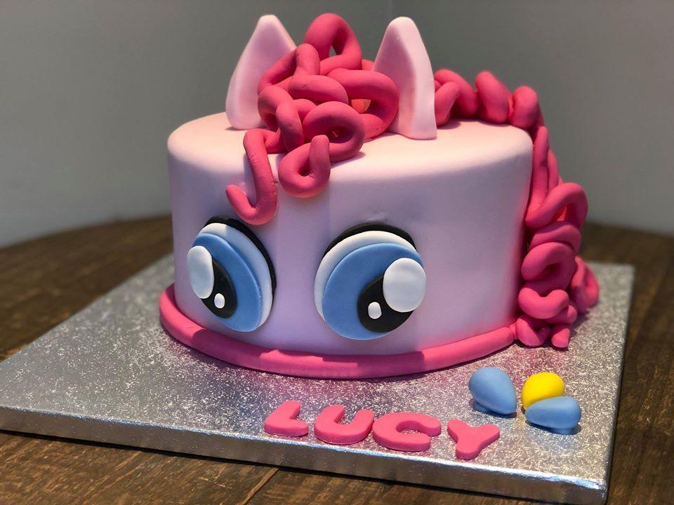 Lucy Pony cake 2