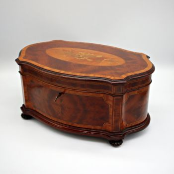 Fine late Victorian inlaid mahogany jewellery box.