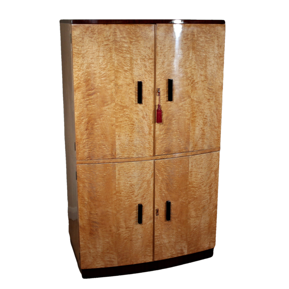 Good Art Deco quilted maple cocktail cabinet with fitted interior.