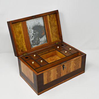 A good Georgian mahogany and satinwood table / jewellery box.