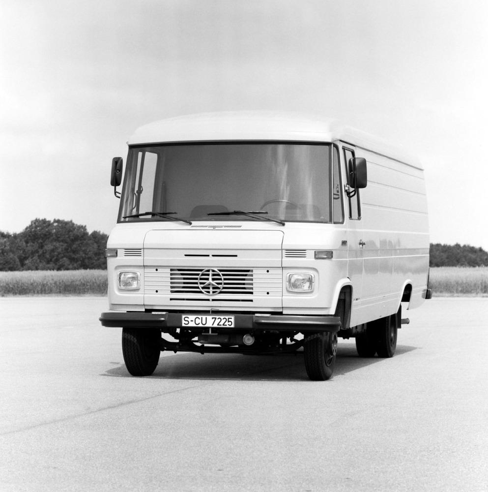 BX075 Mercedes 508 & 608 Tall Window (PRE 1986) 9 Layer Internal Silver The
