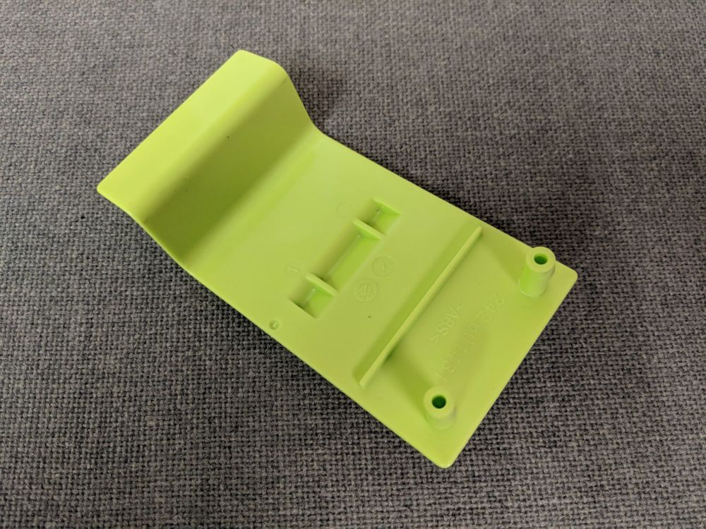 (017) Dometic Spare CT3000 & CT4000 Cassette Retaining Clip [Colour: Light Green] (242 60 14-31)