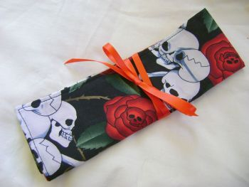 Skulls and Roses Needle and Hook Roll