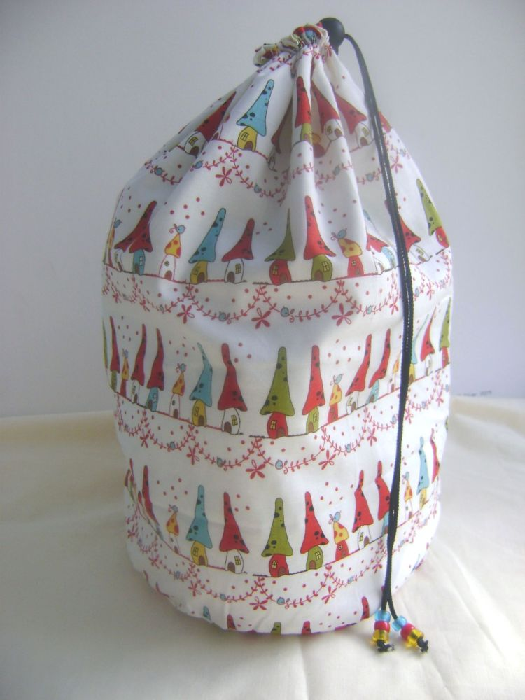 <!-- 13 -->Homes for Gnomes- large garment size