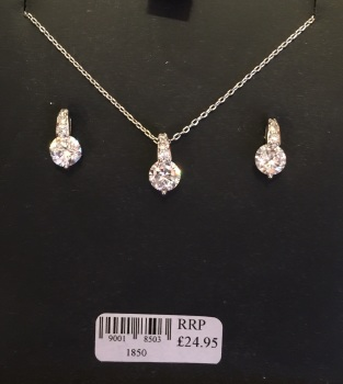 Pendant set with Earrings (pierced)