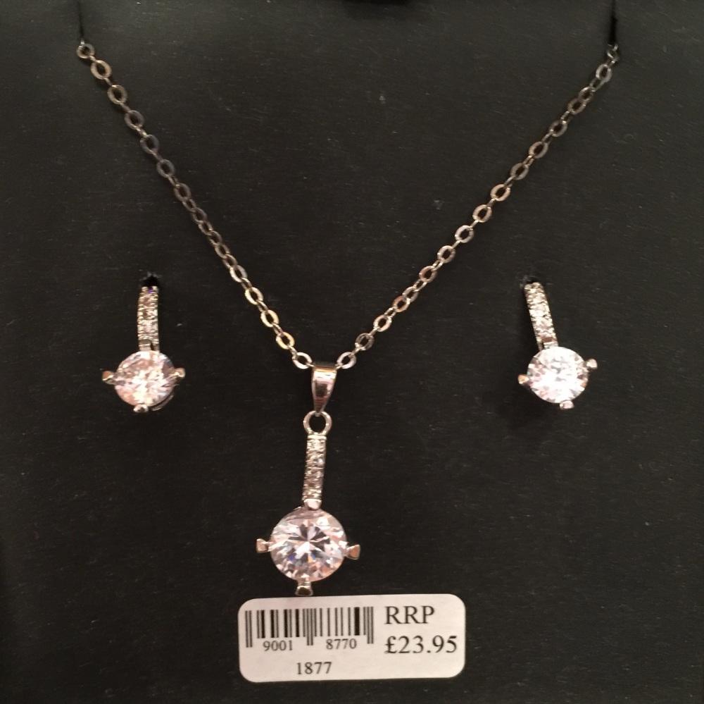 Pendant set with Earrings (pierced)