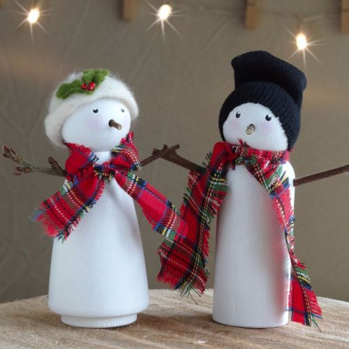 Snow lady and snowman