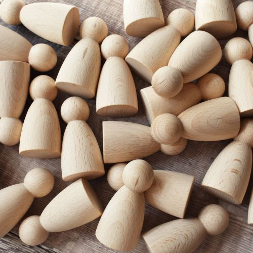 25-pack of 6.5cm rounded body people shapes in FSC beech - 15% off (Seconds