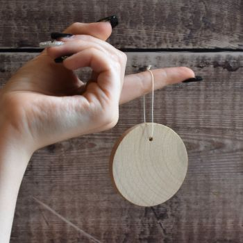 5 large wooden disc decorations - 6cm wooden disc with hole for hanging