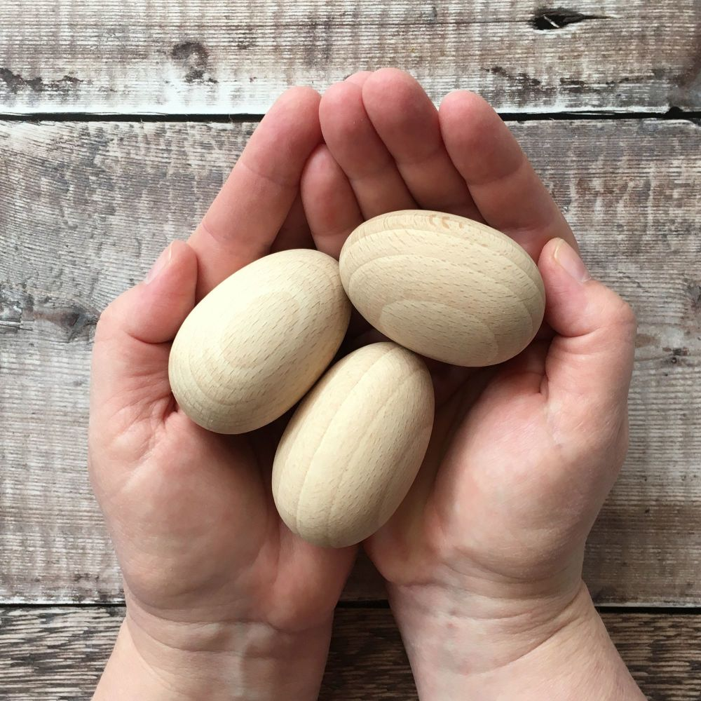 6cm wooden egg in hardwood beech