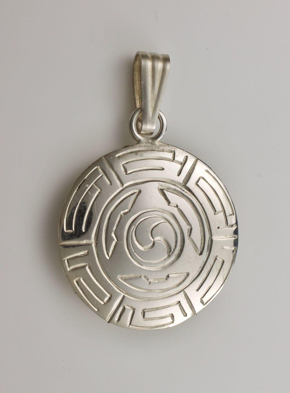 Melong pendant - silver