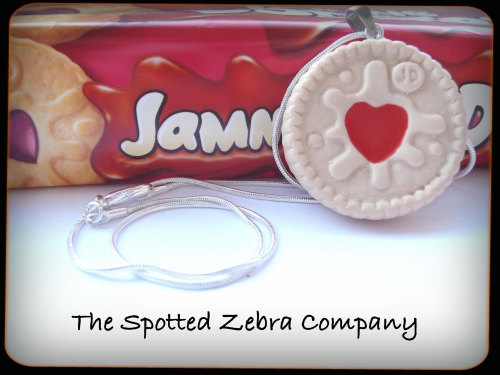 Replica Large Jammie Dodger® Biscuit - Necklace