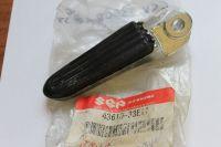 Suzuki GSX1300R Right Pillion Footrest 43610-33E11