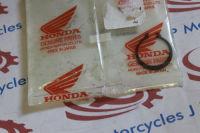 Honda CRF50 CRF70 CRF230 CMX250 XR250R XR50R XR70R CB250 XR200 NX125 XL250 TRX250 TRX350 Set Ring / Circlip 20mm  90605-200-000