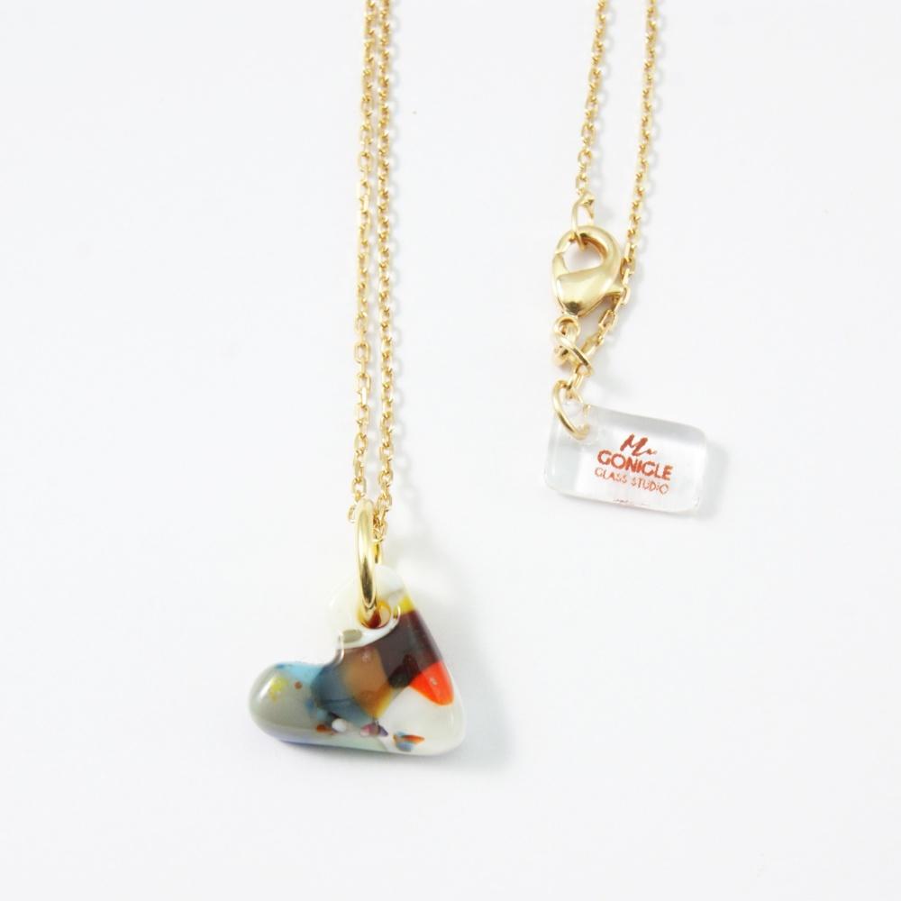 Multi coloured heart on gold
