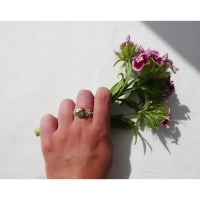Simple Power Flower Ring in ivory