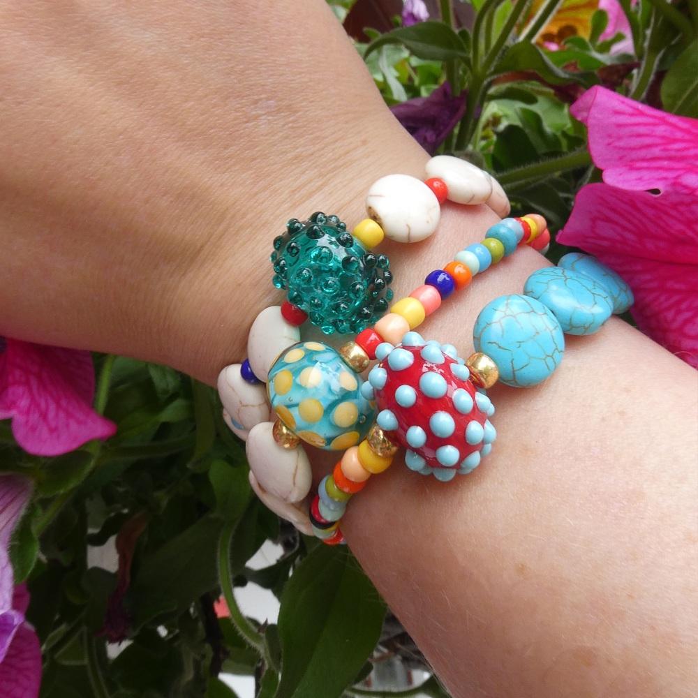 Multicoloured and ivory Howlite Bracelet