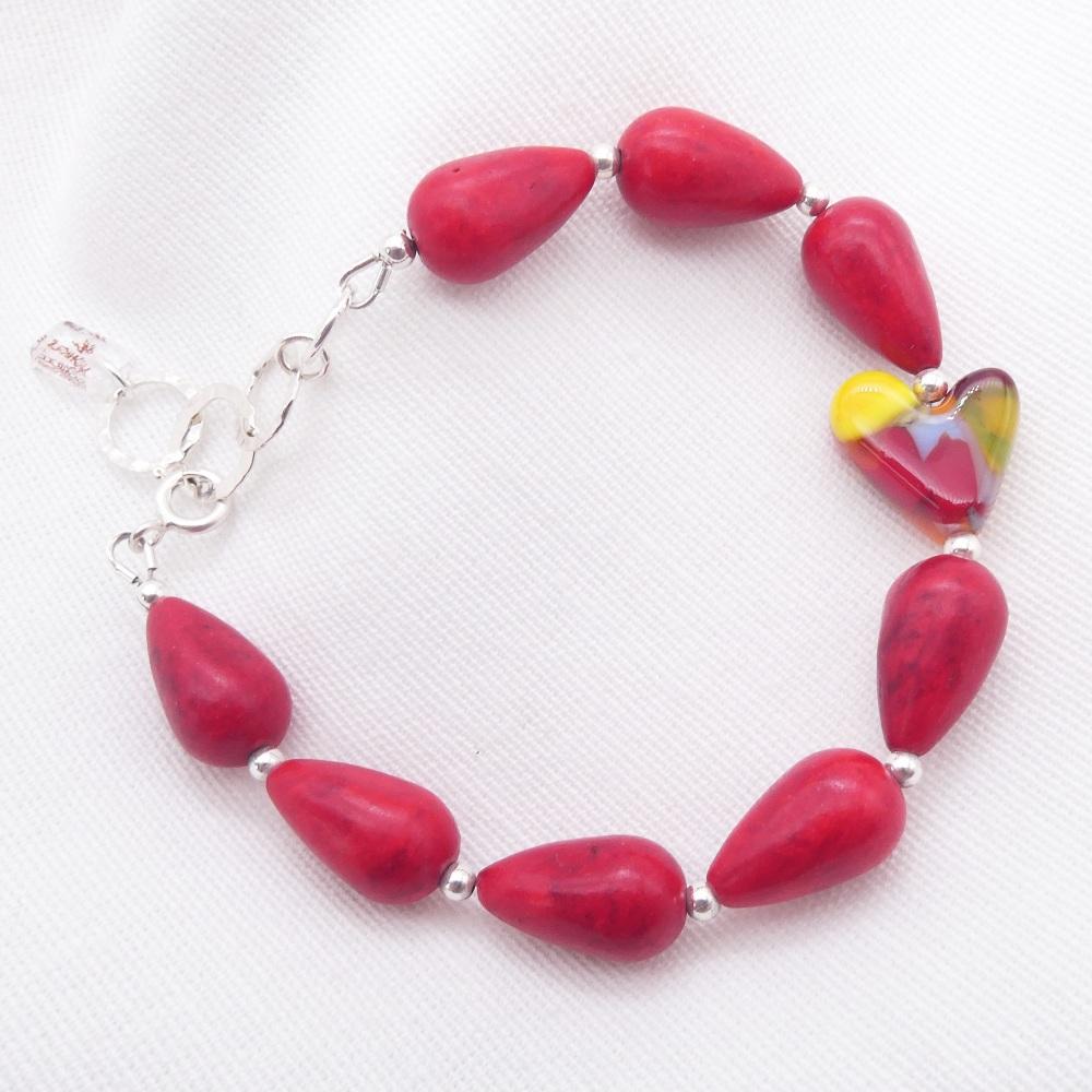 Red howlite teardrop Bracelet