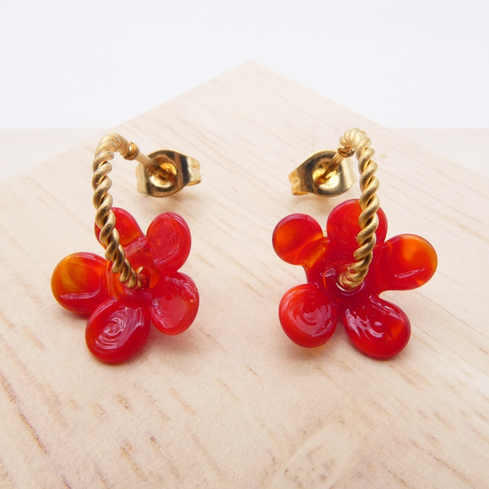 Small red  Flower twisted  hoop earrings