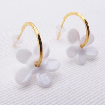 Medium white glass Flower hoop earrings-gold
