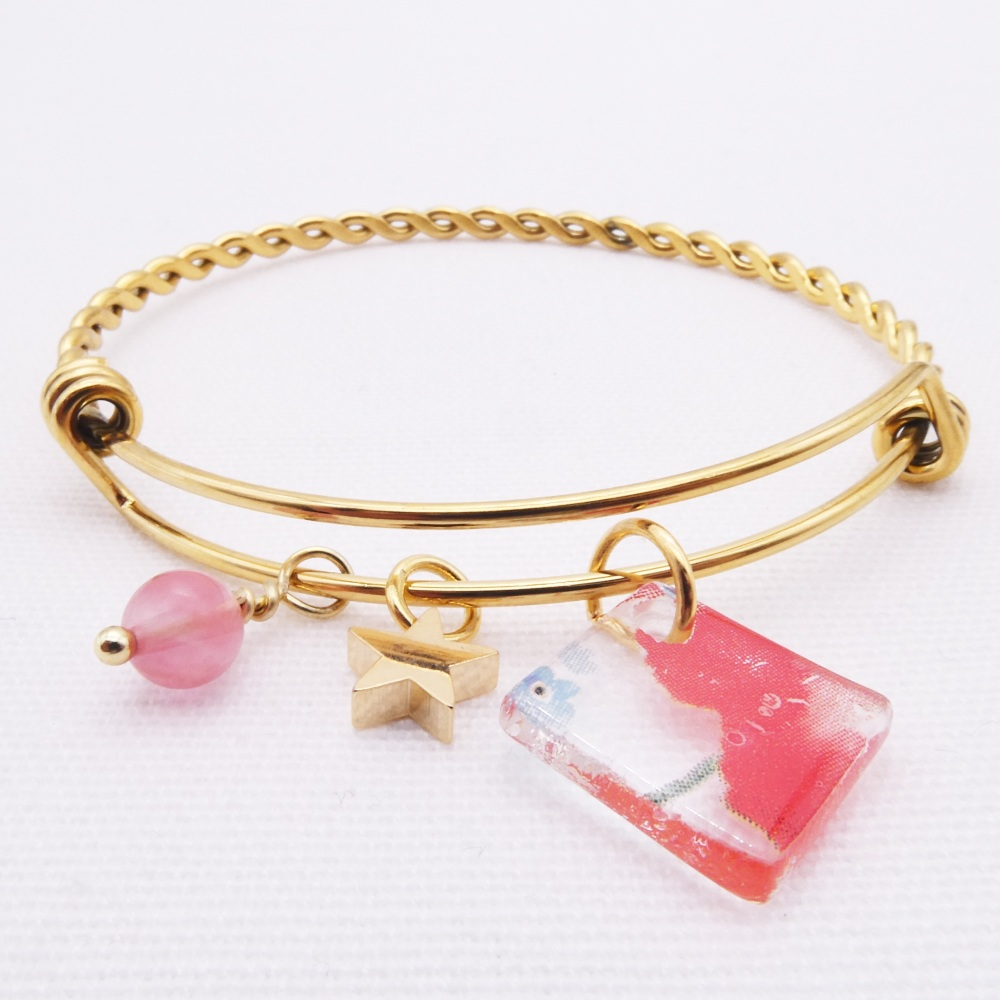 Red Flower Glass Tile On a Gold Plated Twisted Bangle