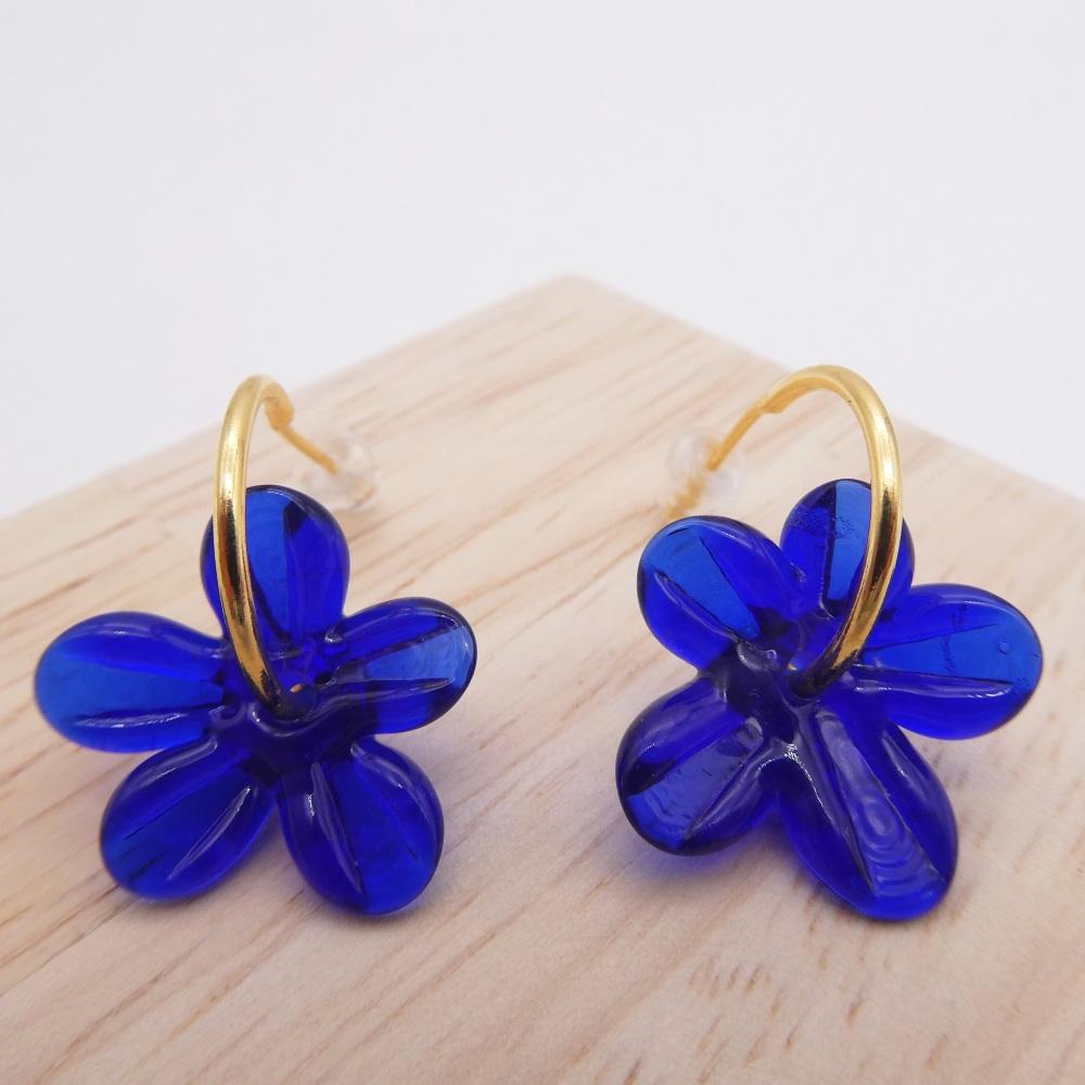 Medium striking blue glass Flower hoop earrings-gold