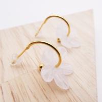 Medium cloudy white glass Flower hoop earrings-gold