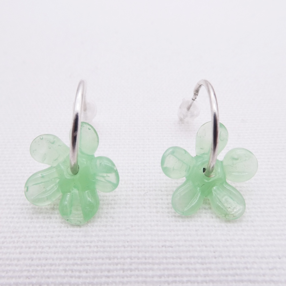 Medium Mint green glass Flower hoop earrings-Silver