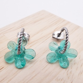 Small Turquoise flower twisted hoops-silver