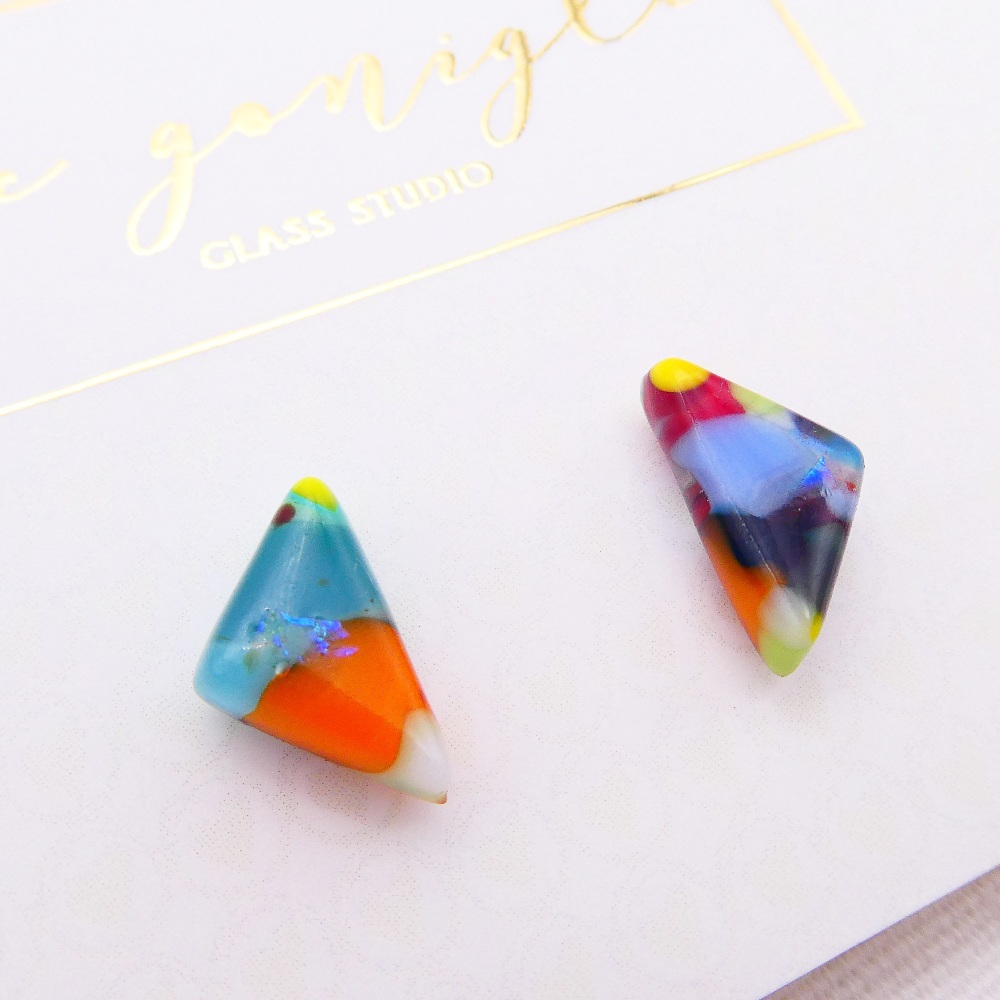 Multicoloured  geo studs #18