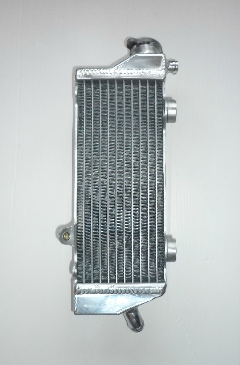 RIGHT SIDE PERFORMANCE RADIATOR  (034A)