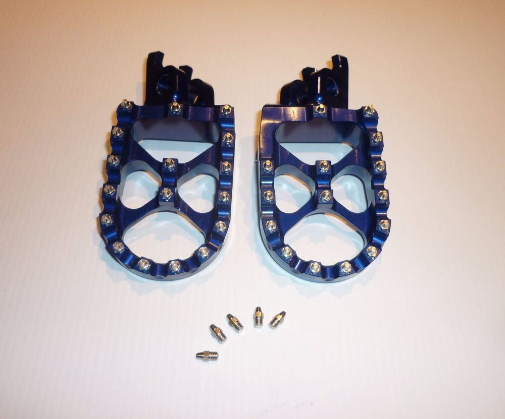 BLUE FACTORY EXTRA WIDE FOOT PEGS  (561)
