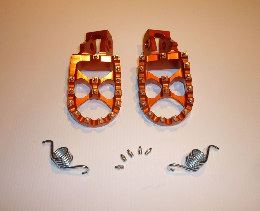 ORANGE FACTORY EXTRA WIDE FOOT PEGS  (563)