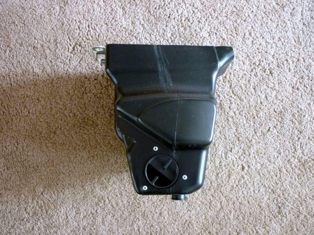 AIR CLEANER BOX (830)