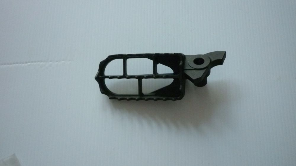 Genuine Suzuki Left Side Footpeg (586)