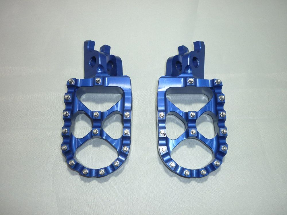 BLUE FACTORY EXTRA WIDE FOOT PEGS  (560B)
