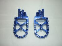 BLUE FACTORY EXTRA WIDE FOOT PEGS  (551)