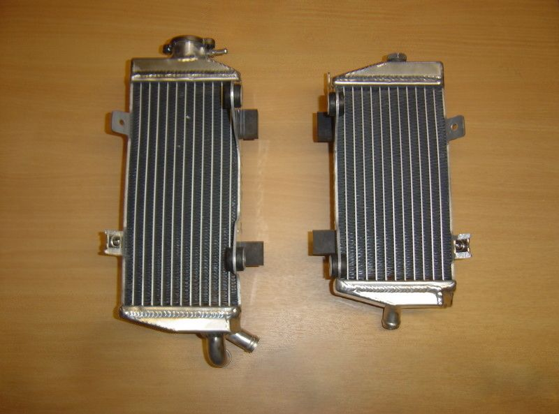 2013 PAIR OF CRF450R PERFORMANCE RADIATORS Complete with Rubbers & Mounts (