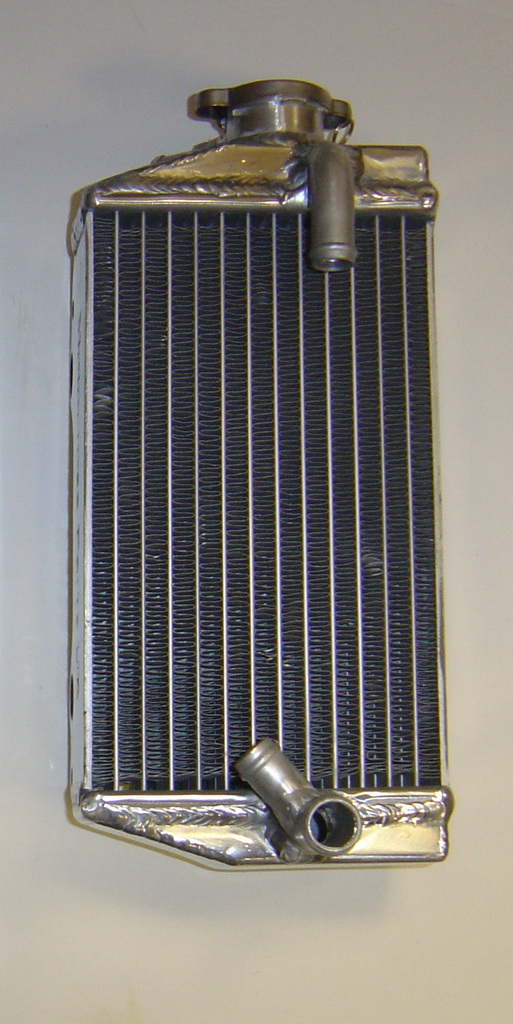 RIGHT SIDE PERFORMANCE RADIATOR MX021A