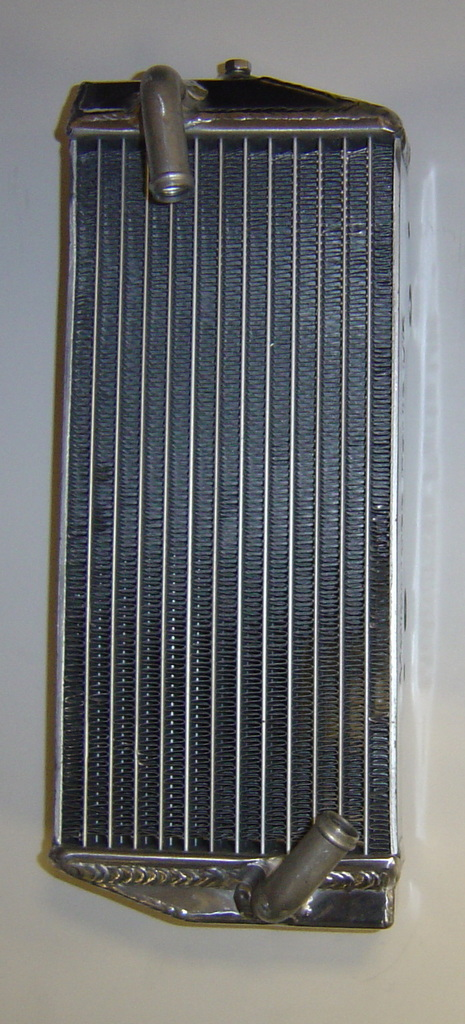 LEFT SIDE PERFORMANCE RADIATOR MX021B