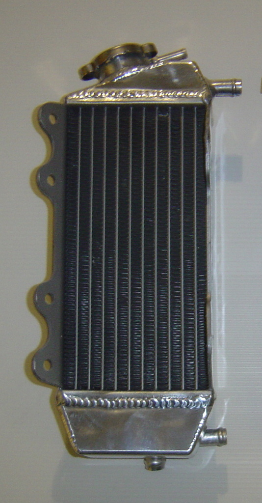 RIGHT SIDE PERFORMANCE RADIATOR MX022A