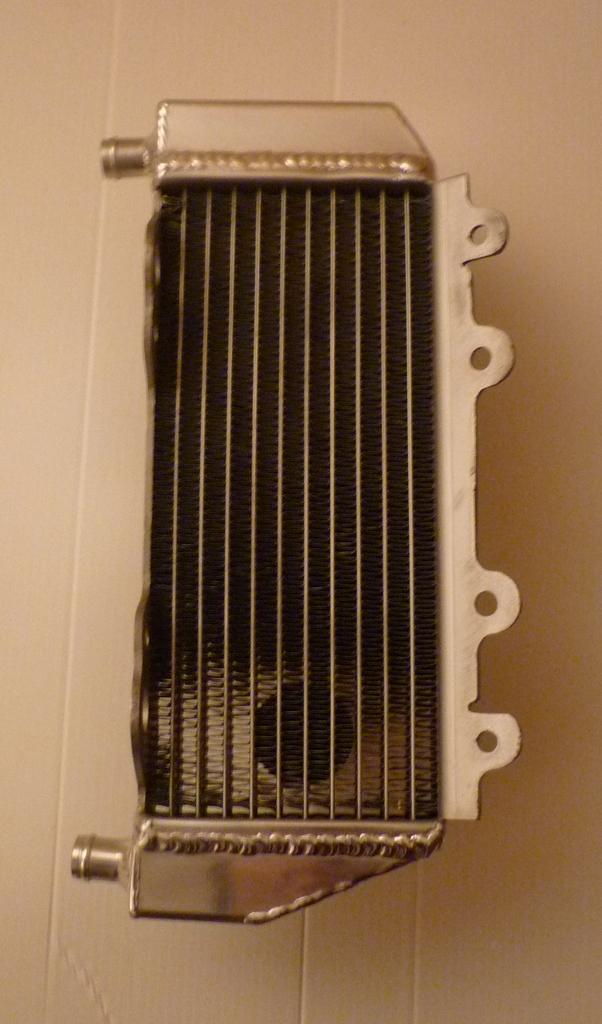 LEFT SIDE YZ250 PERFORMANCE RADIATOR MX053B