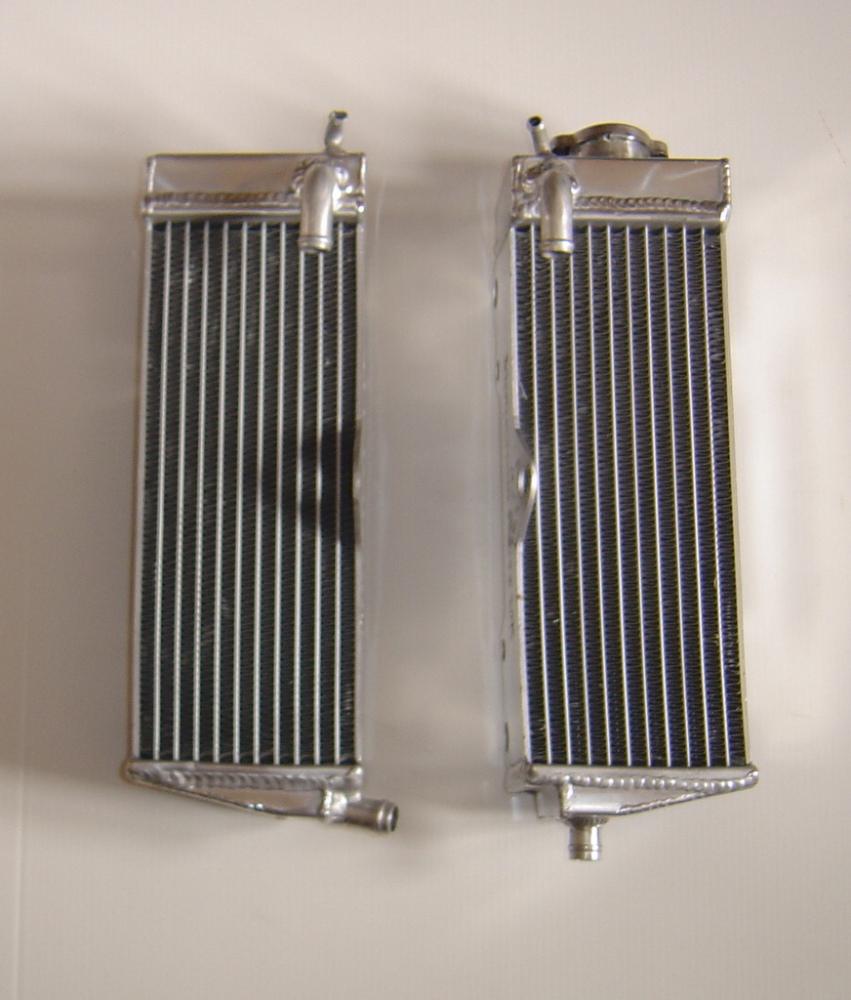 PAIR OF CR500 PERFORMANCE RADIATORS MX013