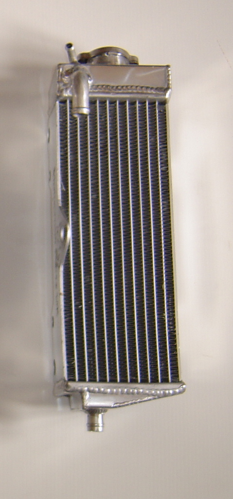 RIGHT SIDE CR500 PERFORMANCE RADIATOR MX013A