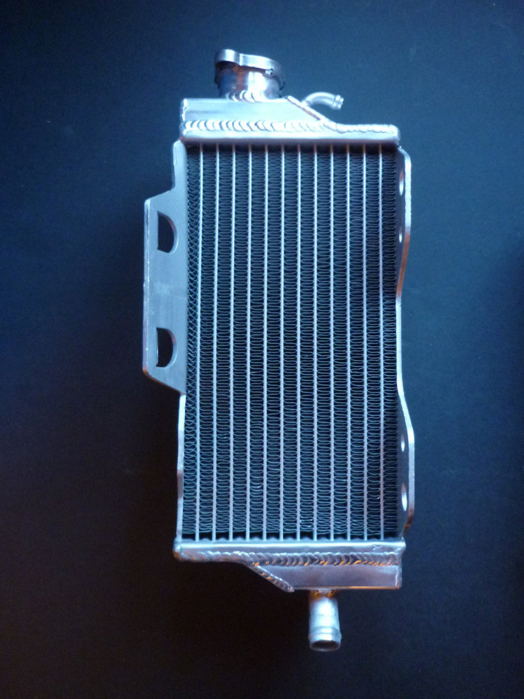 RIGHT SIDE PERFORMANCE RADIATOR (MX050A)