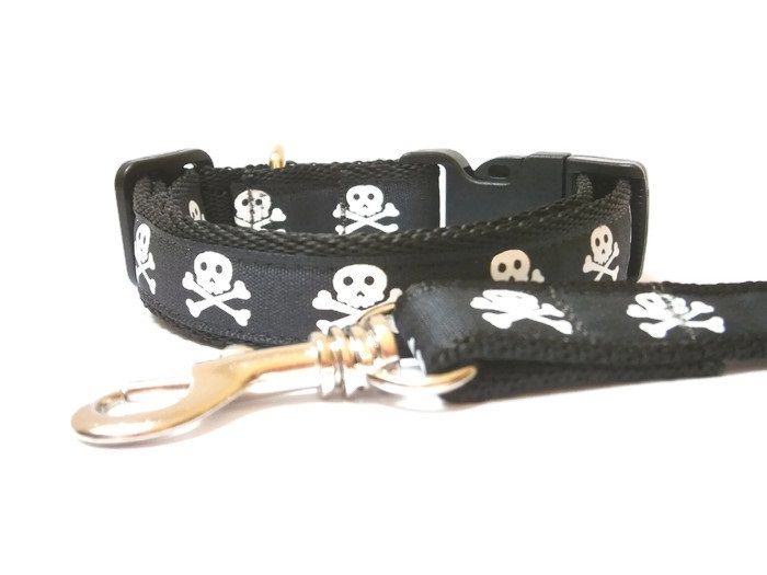 Skull & Crossbones Collar & Lead set - Choice Of Colours